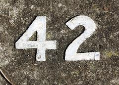 Signification du nombre 42 for Briser un miroir signification